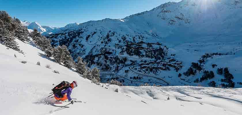 france_paradiski-ski_les-arcs_skier.jpg